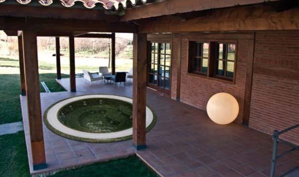 Переливной спа бассейн AQUAVIA SPA OSLO (мозаичный СПА)